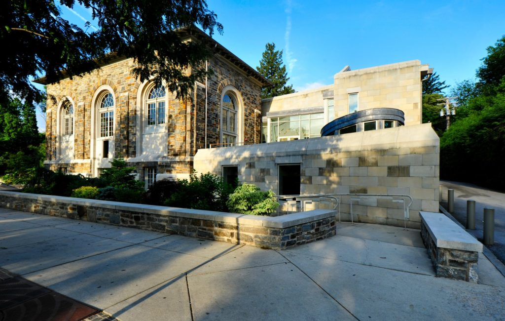 Roland Park Library